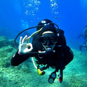 trial-scuba-diving-course-for-beginners-discover-scuba-1-evelin-dive-center
